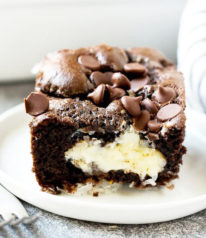 keto earthquake cake, keto earthquake cake recipe, low carb keto earthquake cakeة low carb, keto,