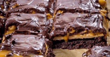 keto snickers brownies, keto snickers brownies recipe,