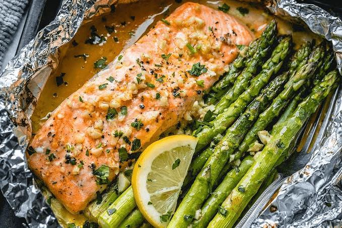 keto salmon dinner, keto salmon recipe, keto salmon, keto salmon patties, keto salmon cakes, is salmon keto,